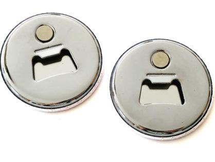 Buttony z magnesem i otwieraczem do butelek